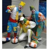 evento circense com palhaços